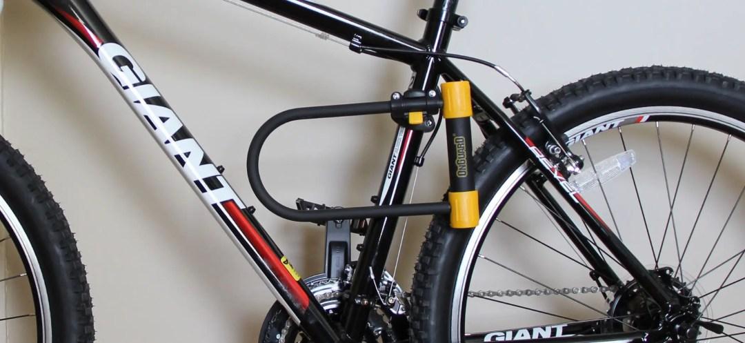 OnGuard U-lock clamped to bike frame