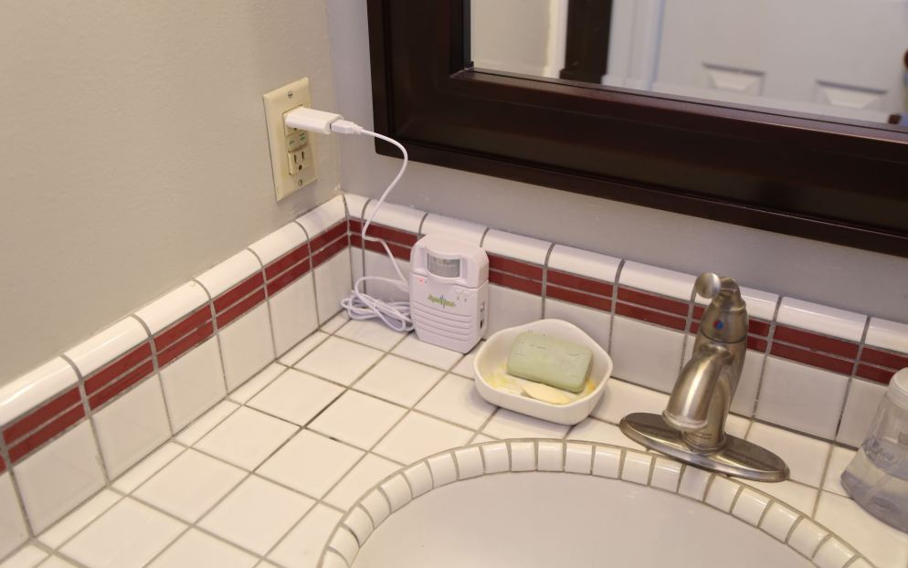 How To Hide Embarrassing Bathroom Noises In Your Home The Frugal