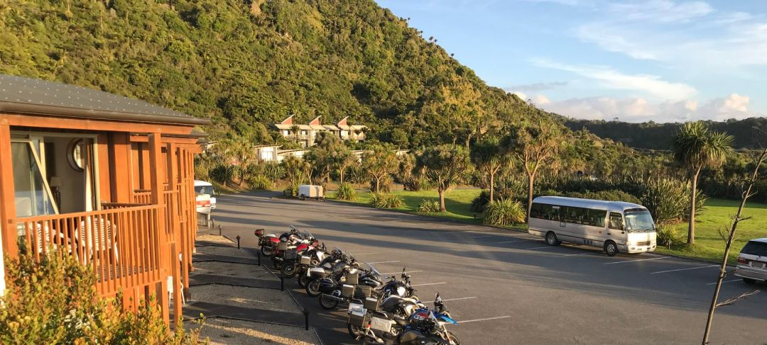 Punakaiki Resort on the left, with our trusty bus in the parking lot