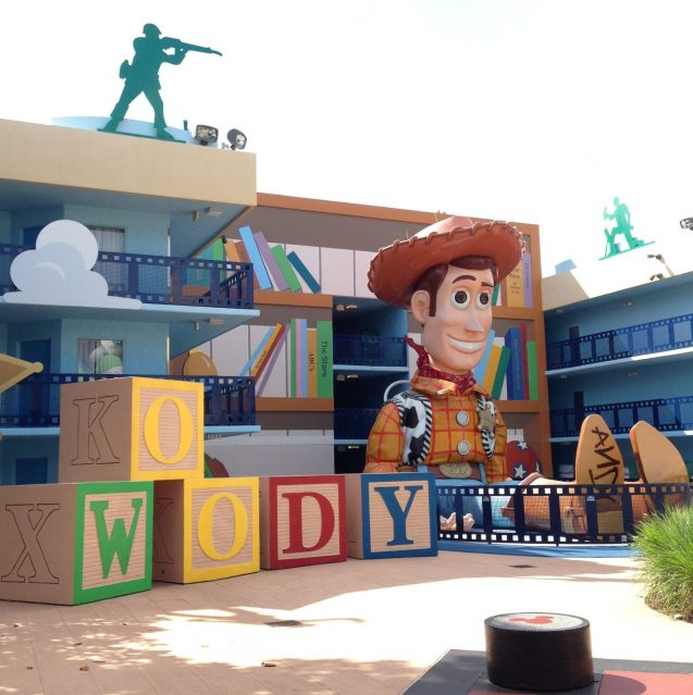toy story courtyard all star movies resort