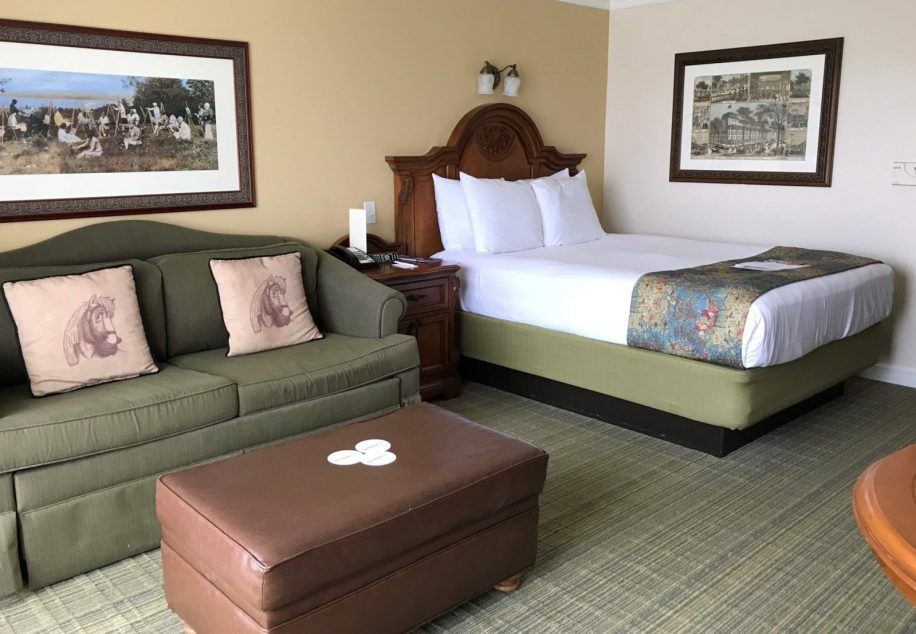 bed and couch in a dvc studio at saratoga springs