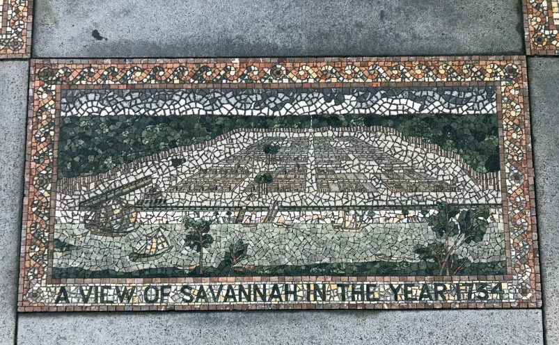 tour the squares in Savannah