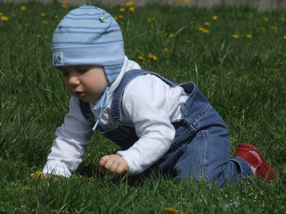 crawling-baby