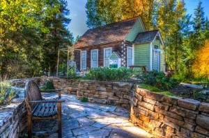 how to make your home sustainable, sustainable living, small living, living off the grid, environmentally friendly,