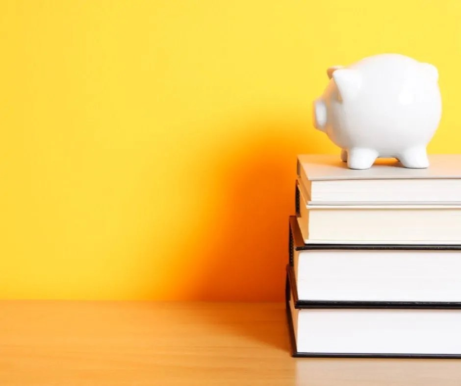 Savings accounts can be confusing. Should you do a high yield savings account? Traditional savings account? Money market account, or a CD? Get the answers.