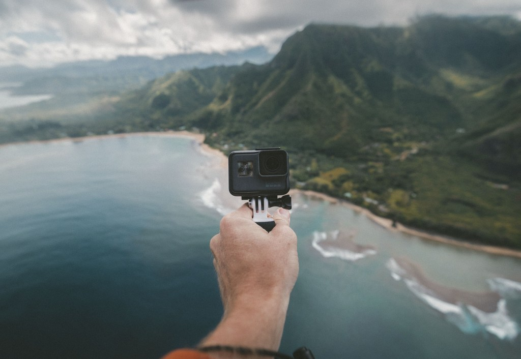 Have you dreamed about finding jobs that let you travel the world? These 21 jobs not only allow travel, but some offer room and board as well.