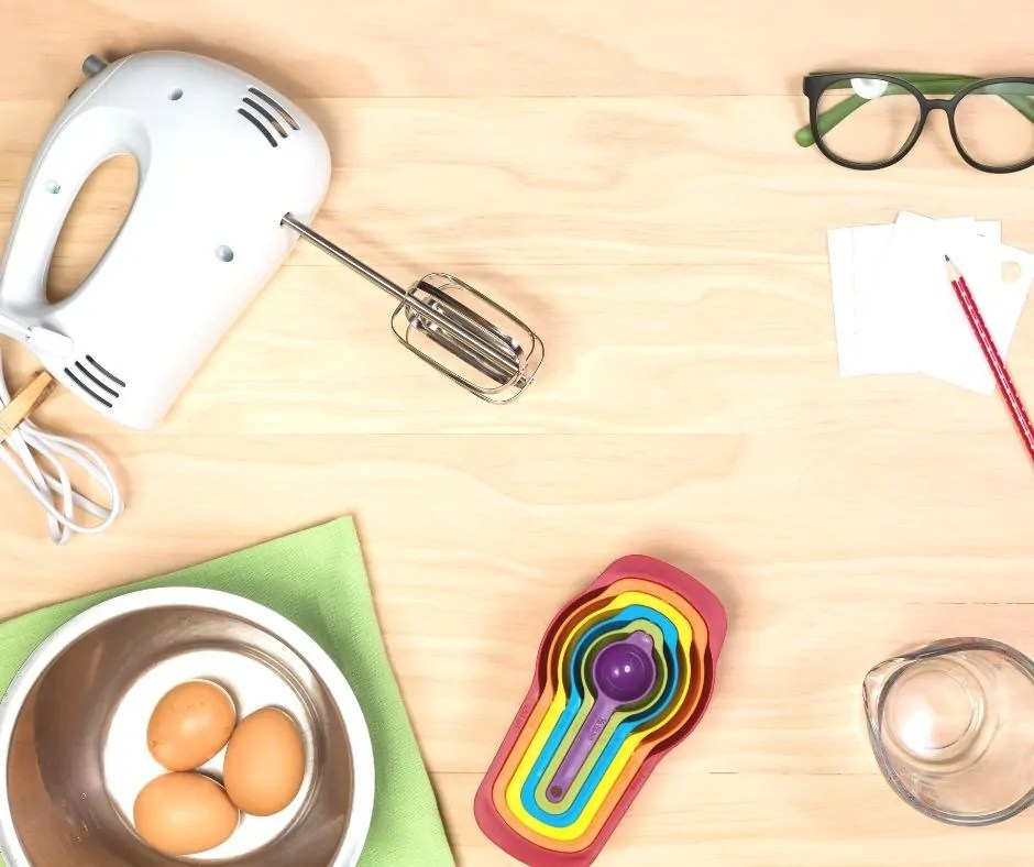 The kitchen is the heart of the home. Use these 7 simple tips to keep clutter off tables and kitchen counters. Even if your family is crazy busy!