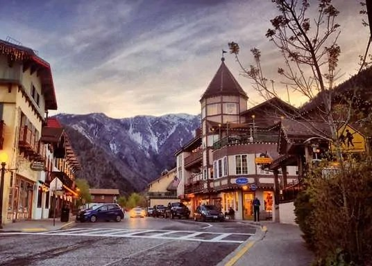 Get more ideas about hidden US travel destinations that are way less touristy than other places! Great for family road trips or weekend getaways!
