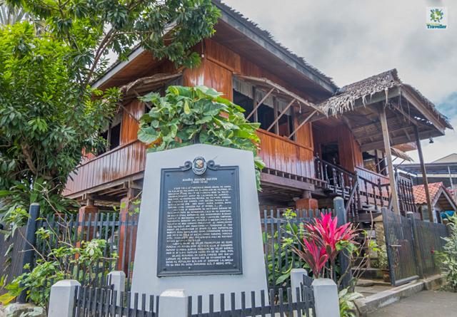 Doña Aurora House
