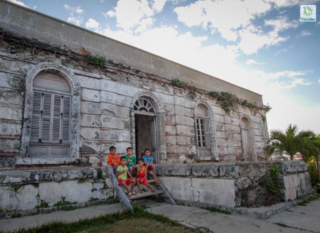 The village children at Gigantes Norte lighthouse.