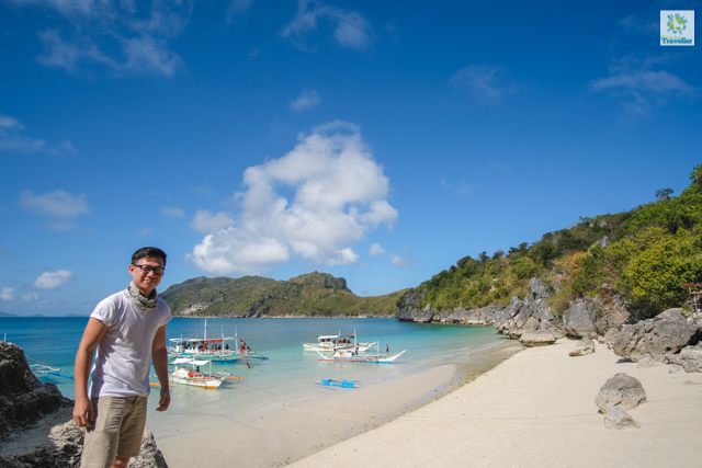 The Fun-sized Traveller at Tinagong Dagat in Antonia Island.