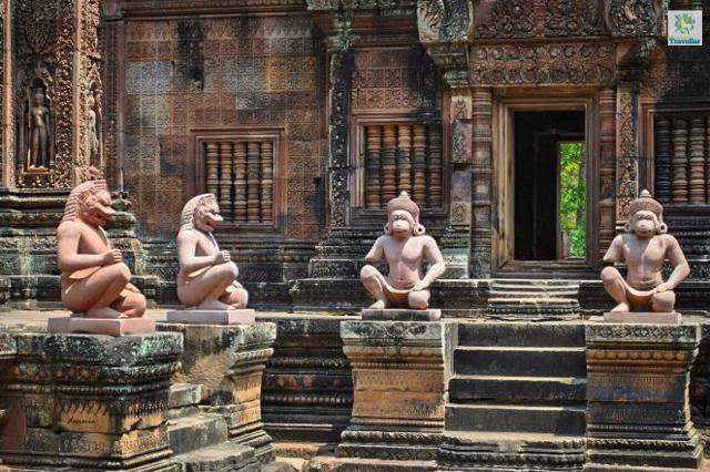 Bantay Srei, 25 kilometers away from Siem Reap city center.