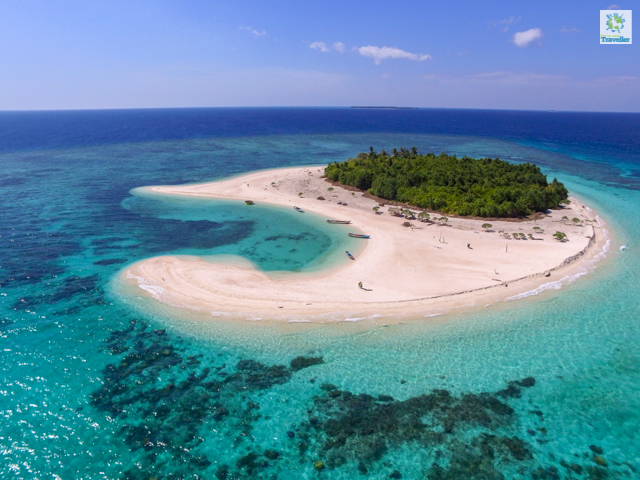 An aerial capture of Patawan Island. How small the island is that you can around its shores for about 10 minutes.