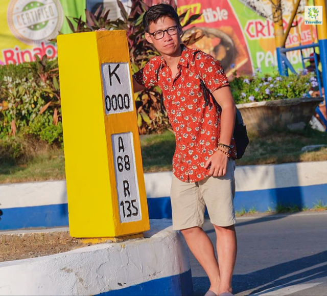 The Kilometer Zero in front of the Capitol area in Puerto Princesa. Don't miss this out!