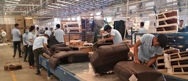 manwah sofa factory target grayson convertible man wah buys vietnamese recliner maker for 51m