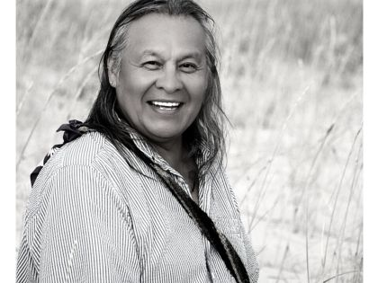 E107 – Tiokasin Ghosthorse on Earth Languages, Consciousness and Indigenous Intelligence //  Walking Earth With The Gifts Of The Stars