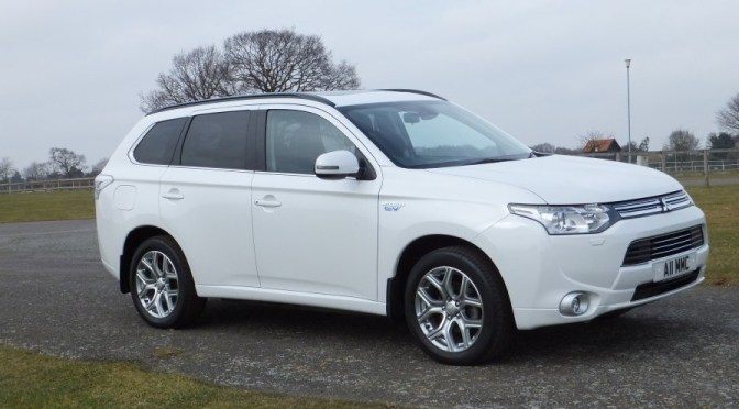 The Gadget Man – Episode 38 – Mitsubishi Outlander PHEV plus Charge Woes at Waitrose