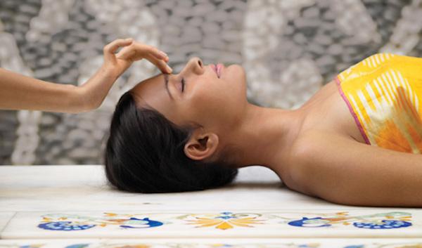 Masaje de chakras AVEDA en Alcobendas