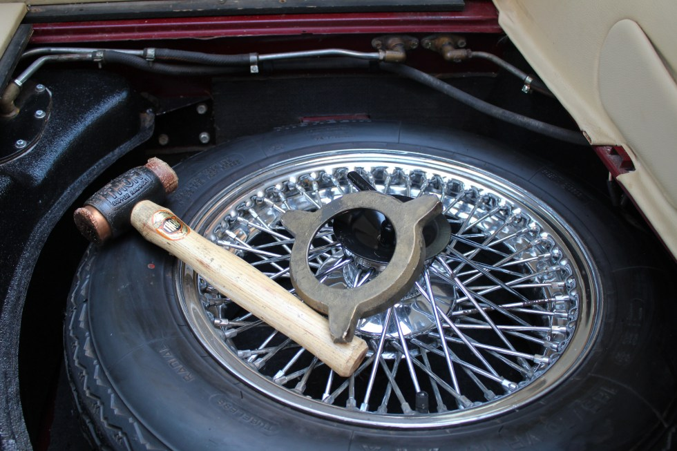 1973 Jaguar E-Type V12 spare tire and tools