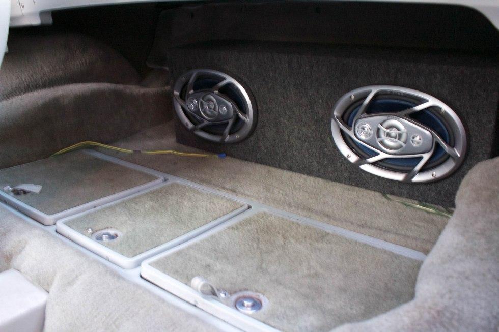 1977 Chevy corvette stingray targa preta
