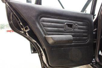 1990 BMW 325i E30 interior