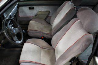 Bancos dianteiros originais do Ford Escort XR3