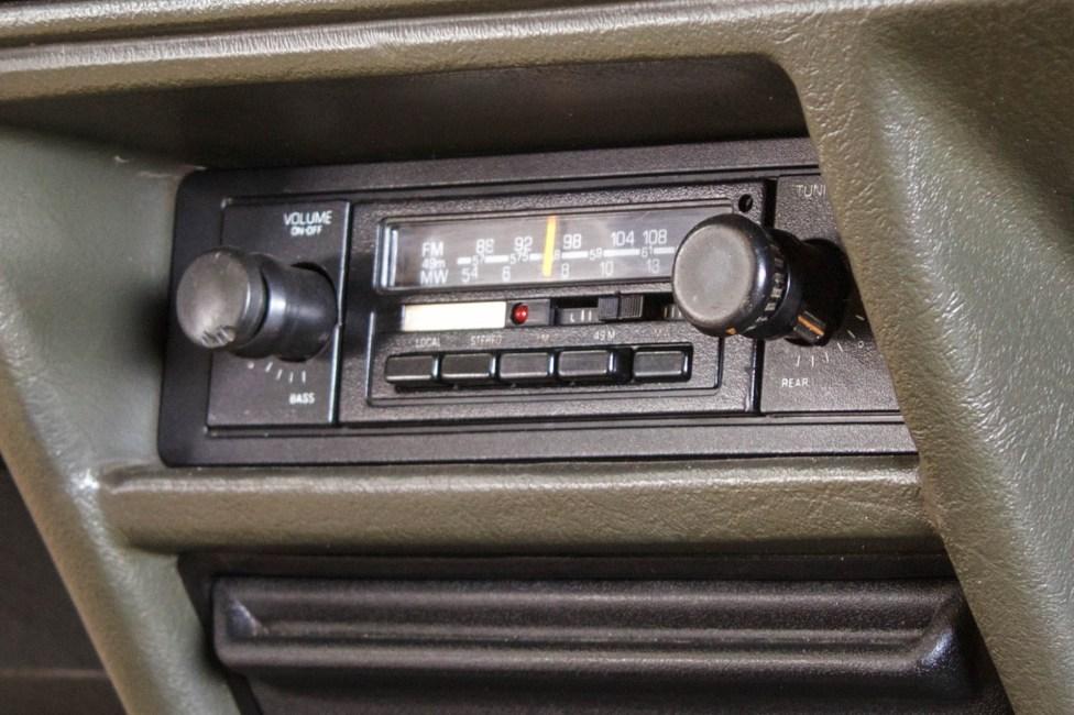 1986 Ford Escort XR3 rádio original