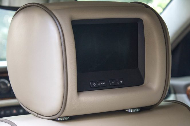 Tela de multimídia do jaguar XJ8 supercharger