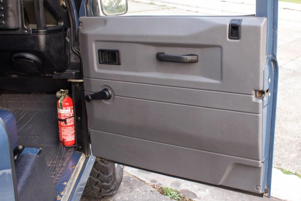 1997-land-rover-defender-soft-top-door-panel