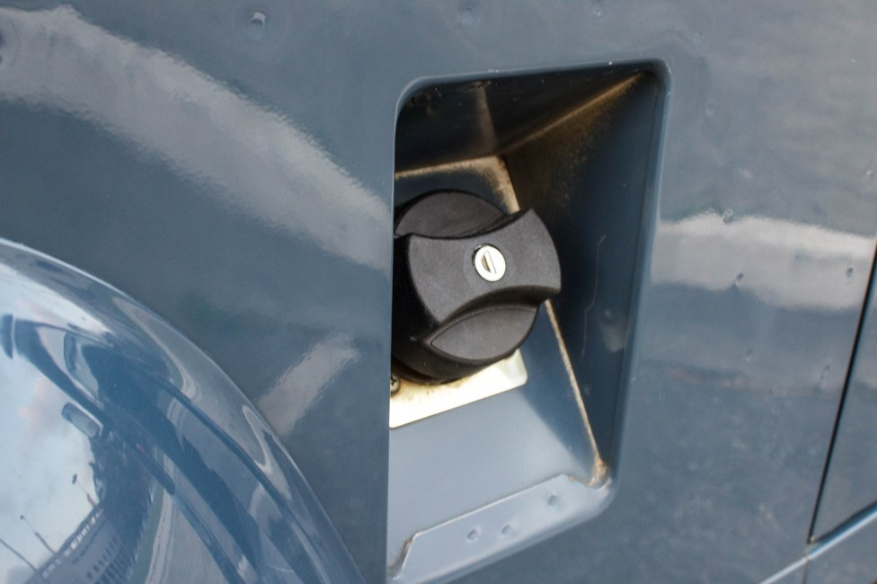 1997-land-rover-defender-soft-top-gas-tank