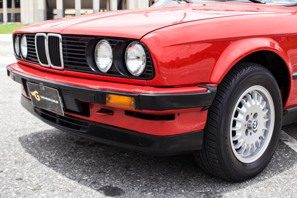 1988-bmw-325i-e30-conversivel-vermelha-grade
