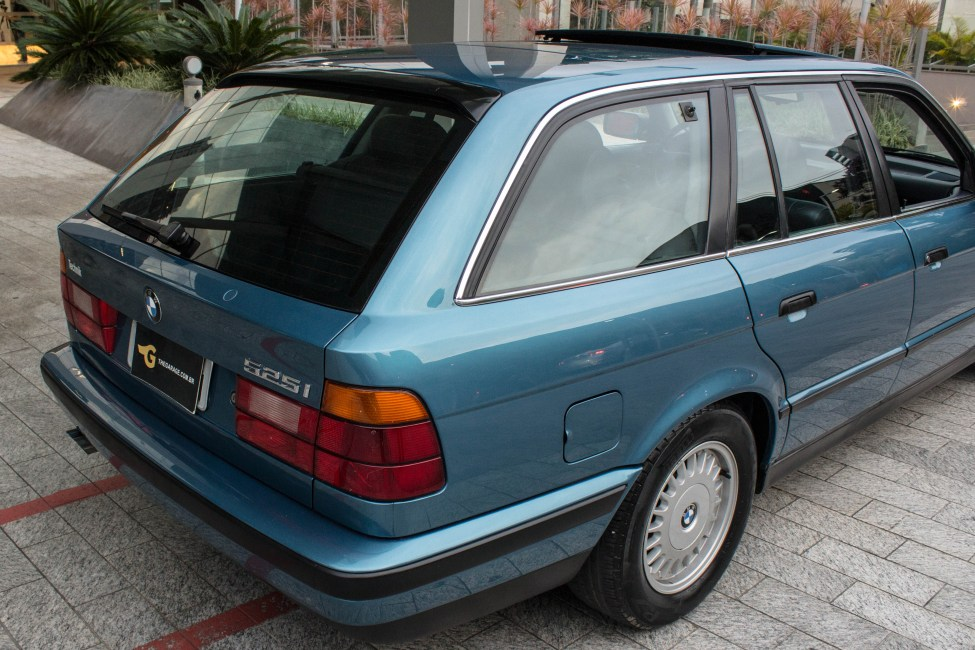 1993-BMW-525i-touring-e34-BMW-antiga