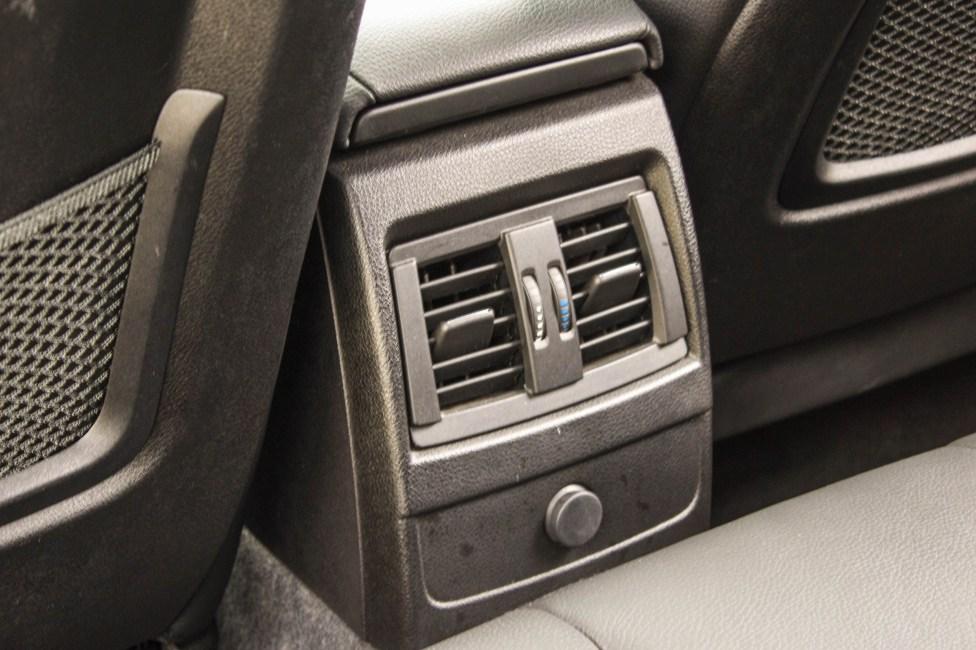 2013-BMW-M135i-a-venda-the-garage-ar-condicionado
