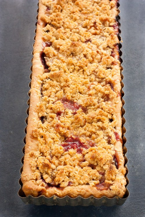 Plum Tart with Crumble Toppin