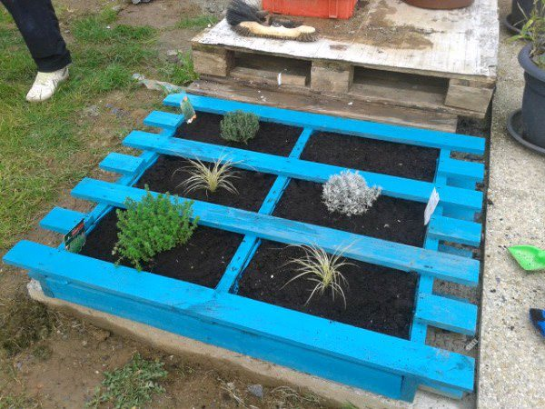 5 DIY Garden Ideas For Wood Pallets – The Garden Glove
