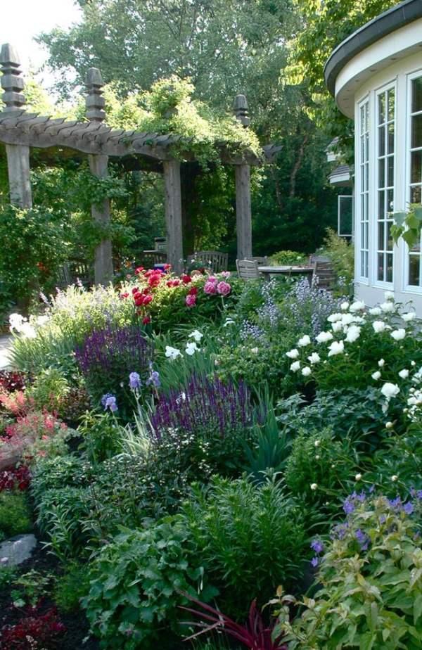 make garden lush