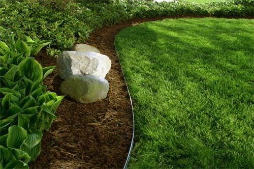 Beautiful & Classic Lawn Edging Ideas – The Garden Glove
