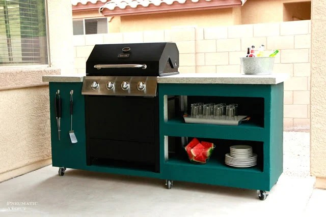 DIY Outdoor Grill Stations & Kitchens