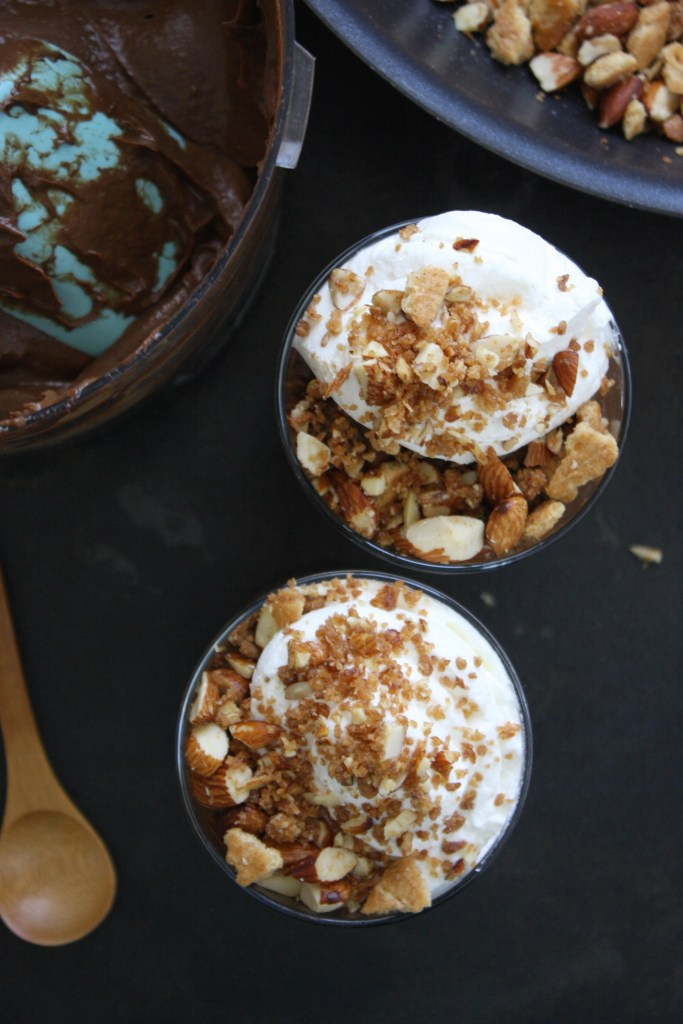 Healthy Chocolate Pudding with Almong Graham Cracker Crumb -- TheGarlicDiaries.com