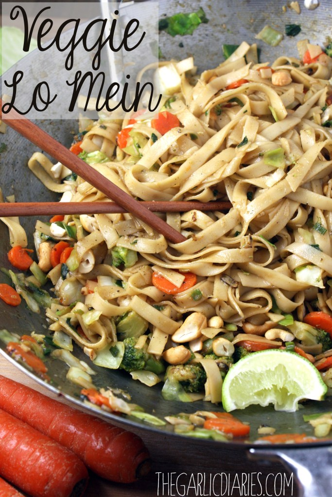 Easy Veggie Lo Mein -- TheGarlicDiaries.com