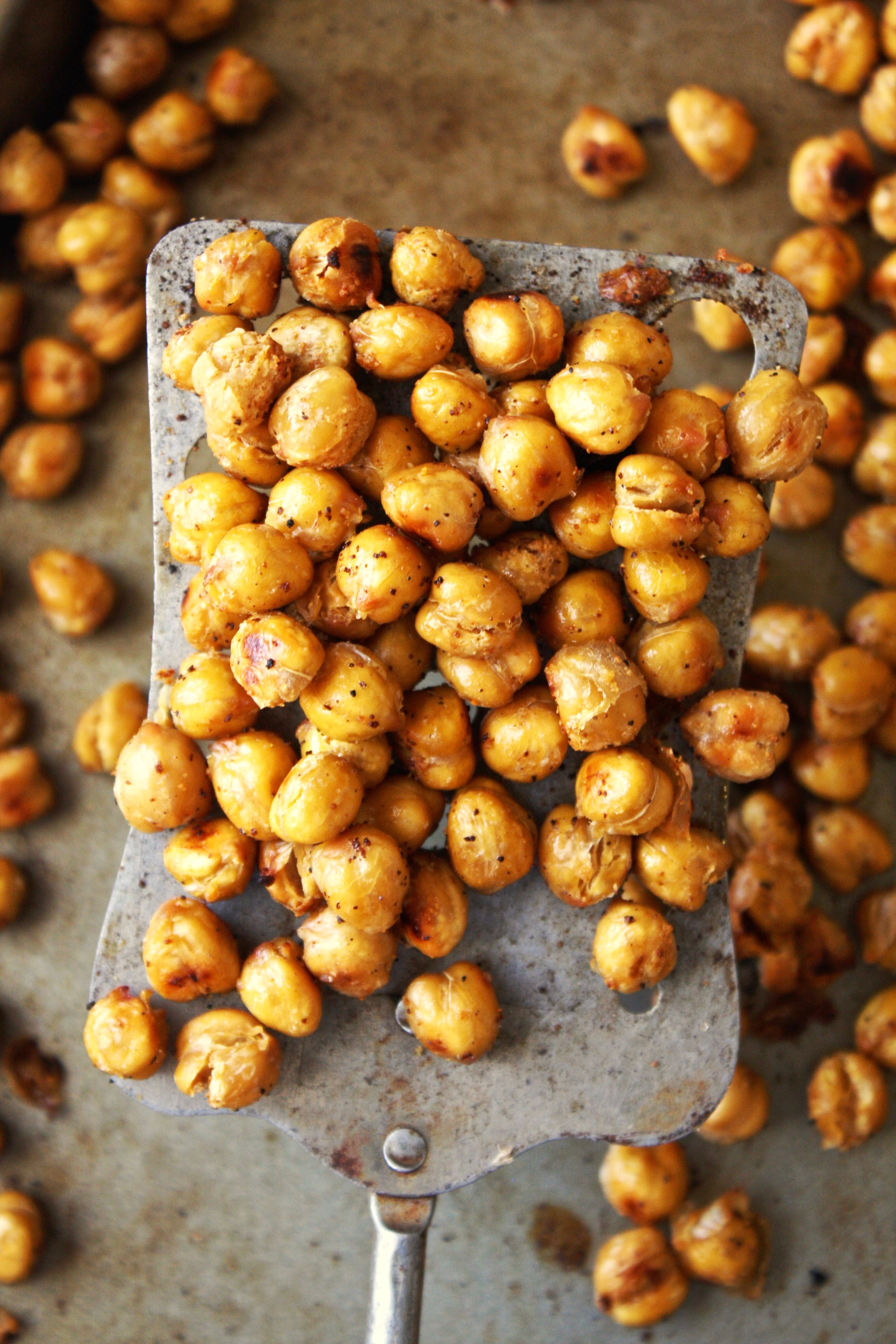 Crispy Garlic Bread Chickpeas [21 Day Fix] - Craving that salty ...