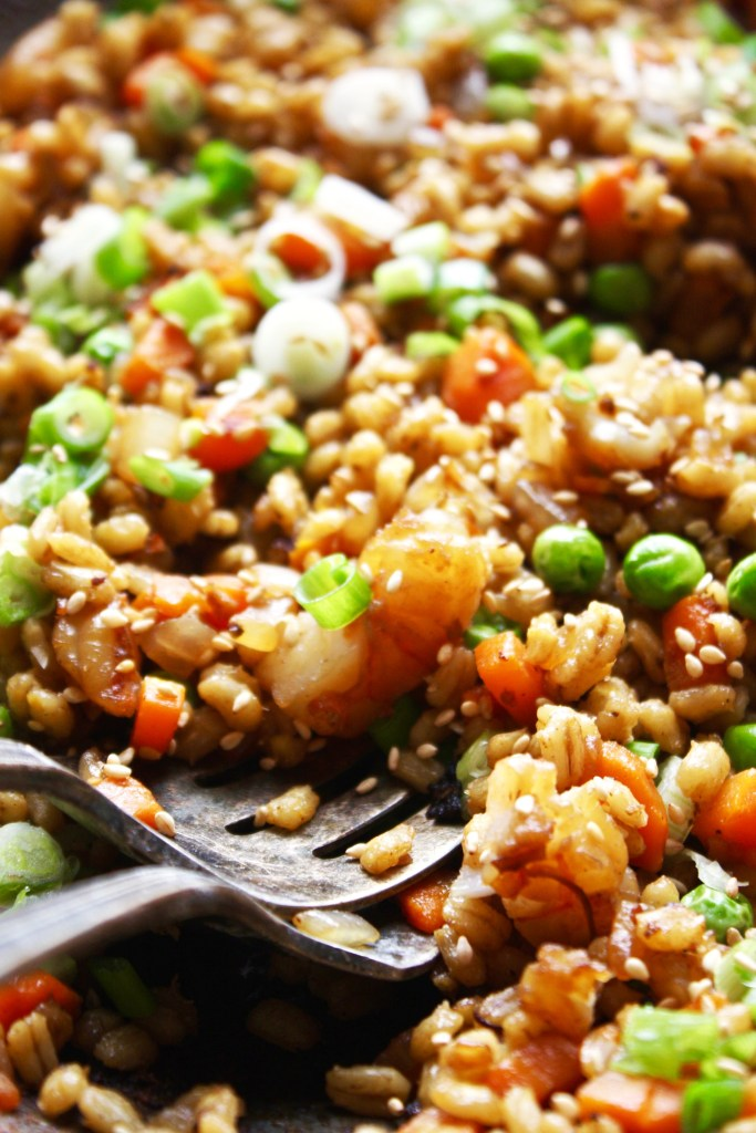 Barley Fried Rice with Marinated Shrimp [21 Day Fix] - This super healthy take on the traditional fried rice will have you saying goodbye to takeout forever! #21dayfix TheGarlicDiaries.com