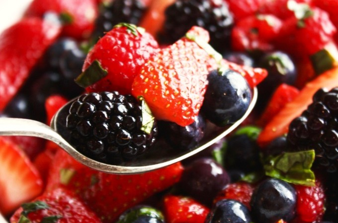Herbed Mixed Berry Salad