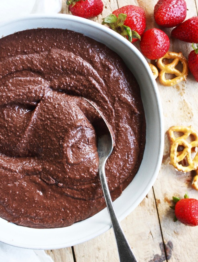 Brownie Batter Hummus - TheGarlicDiaries.com