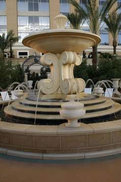 The Palazzo - Pool fountain