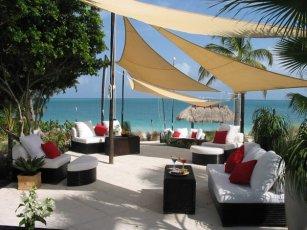 Grace Bay Club: The Lounge
