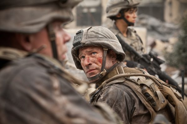 Aaron Eckhart in a scene from Battle Los Angeles