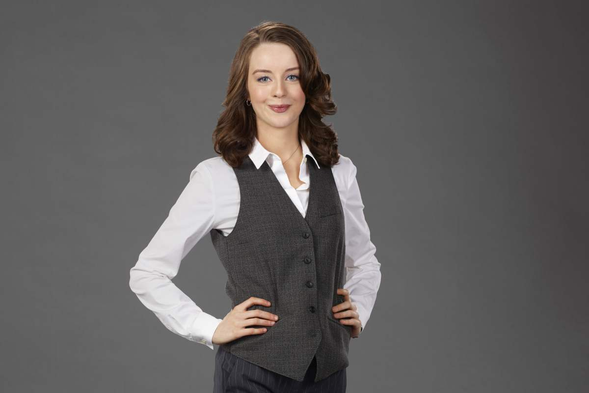 Kacey Rohl - Working The Engels