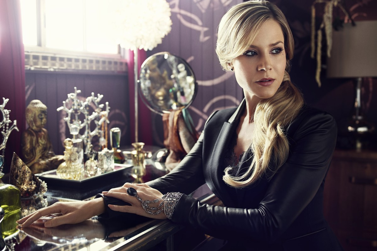 Julie Benz in Defiance