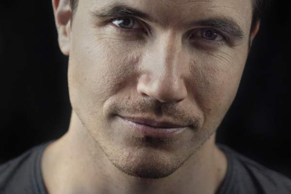 Robbie Amell for ARQ | The GATE's Interview Lounge